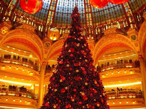 ギャルリー・ラファイエットのクリスマスツリー@パリ